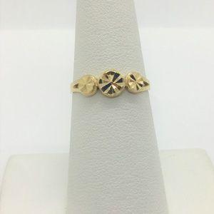 Jewelry - 14k Gold Circle Shaped Diamond Cut Ring Size 6